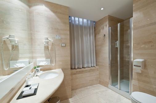 Hotel White - Rome - Bathroom