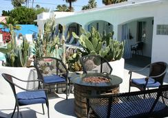 Posh Palm Springs - Palm Springs - Patio