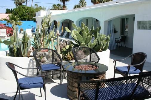 Posh Palm Springs - Palm Springs - Patio