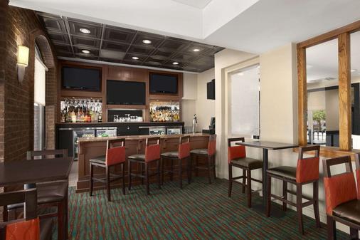 Days Inn Baltimore Inner Harbor - Baltimore - Bar