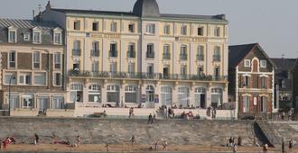 Hotel Kyriad Saint Malo Plage - Saint-Malo - Building