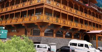 Sandhya Resort & Spa Manali - Manali - Building
