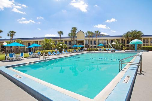 Days Inn Orlando Airport Florida Mall - Orlando - Pool