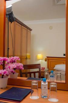 Gulf Pearl Hotel - Manama - Room amenity