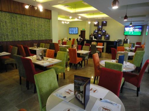 Gulf Pearl Hotel - Manama - Bar