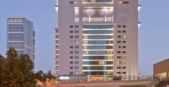 Bonnington Jumeirah Lakes Towers - Dubai - Building