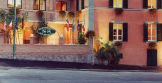Villa Piccola Siena - Siena - Building