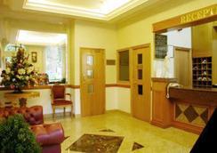 Beverley City Hotel - London - Lobby