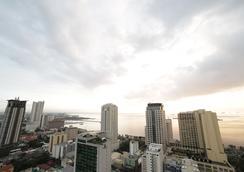 Tambayan Capsule Hostel - Manila - Beach