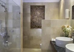 Luca Hotel - Santo Domingo - Bathroom