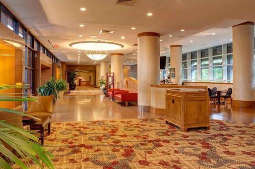 DoubleTree by Hilton Tulsa - Warren Place - Tulsa - Lobby