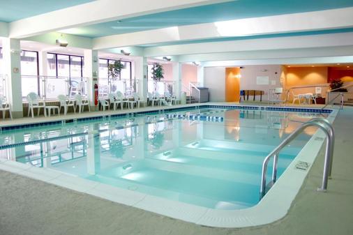 Holiday Inn Baltimore-Inner Harbor (Dwtn) - Baltimore - Pool