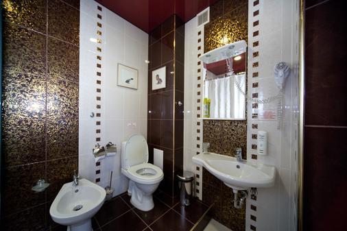 Moya Hotel - Samara - Bathroom