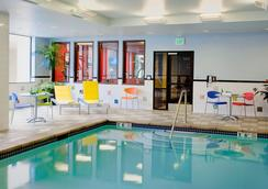Staypineapple at The Maxwell Hotel - Seattle - Pool