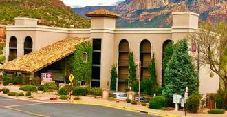 Best Western Plus Arroyo Roble Hotel & Creekside Villas - Sedona - Building