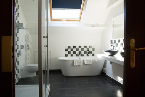 Le Grand Hotel Tours - Tours - Bathroom