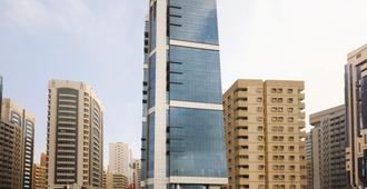 Ramada Abu Dhabi Corniche - Abu Dhabi - Building