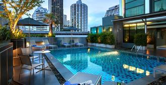 Grand Swiss Sukhumvit 11 by Compass Hospitality - Bangkok - Pool