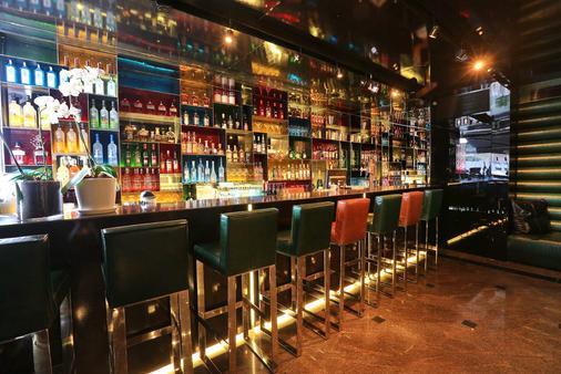 Alexander Tel-Aviv Hotel - Tel Aviv - Bar