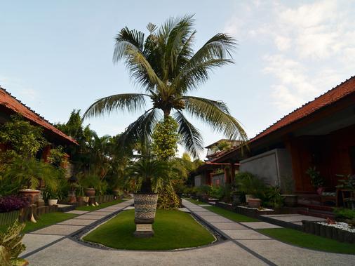 Sol House Bali Kuta - Kuta - Outdoor view
