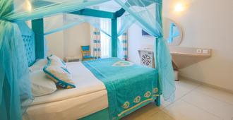 Daima Biz Hotel - Kemer - Bedroom