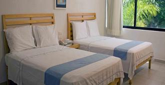 Hotel Sotavento & Yacht Club - Cancun - Bedroom