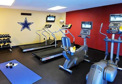 Courtyard by Marriott Dallas Arlington Entertainment District - Arlington - Gym