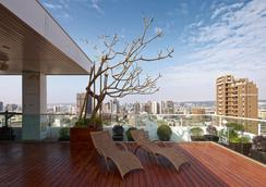 Hotel 7 Taichung - Taichung - Balcony