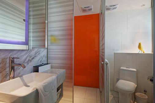 Hotel 7 Taichung - Taichung - Bathroom