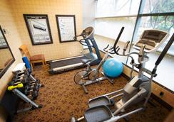 Sunset Inn and Suites - Vancouver - Gym