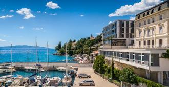 Smart Selection Hotel Istra - Opatija - Building