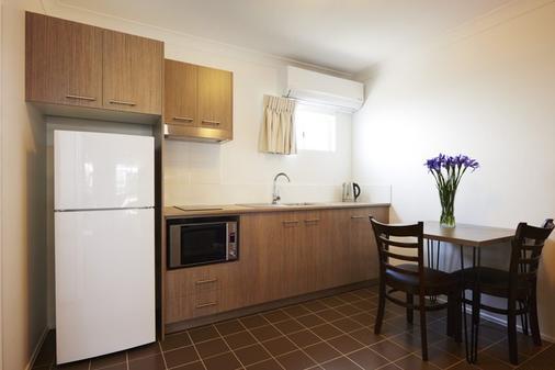 Takalvan Motel - Bundaberg - Kitchen