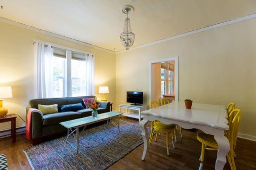 Boise Guest House - Boise - Living room