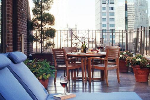 Blakely New York - New York - Balcony