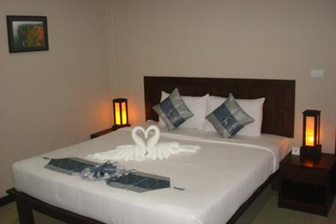 Ampha Place Hotel - Ko Samui - Bedroom
