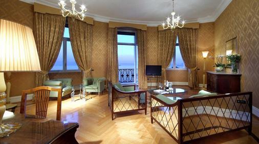 Eurostars Excelsior - Naples - Living room