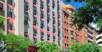 Vincci Soma - Madrid - Building