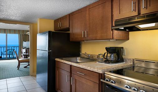 Sea Crest Oceanfront Resort - Myrtle Beach - Kitchen