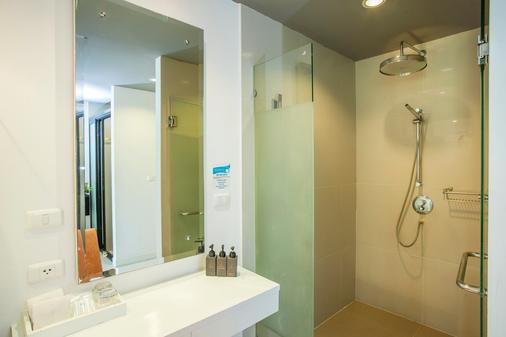 Aonang Cliff Beach Resort - Krabi - Bathroom