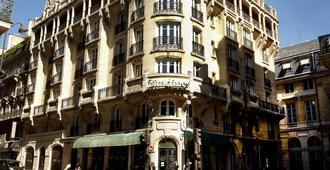 La Clef Louvre Paris - Paris - Building