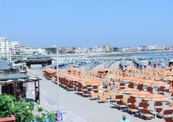 Hotel Maria Serena - Rimini - Beach