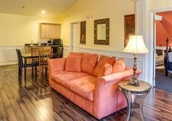 Leavenworth Village Inn - Leavenworth - Living room
