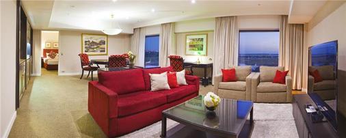 Stamford Plaza Sydney Airport - Sydney - Living room