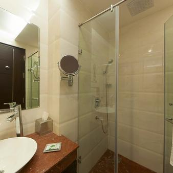 Humble Hotel Amritsar - Amritsar - Bathroom