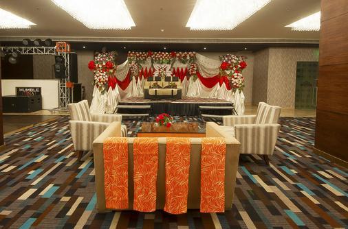 Humble Hotel Amritsar - Amritsar - Hallway