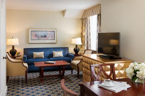 Francis Marion Hotel - Charleston - Living room