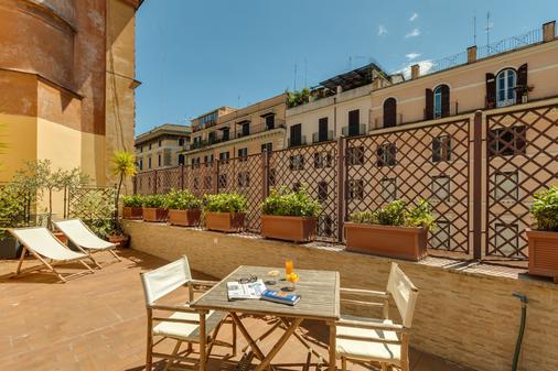 Hotel Borromeo - Rome - Balcony