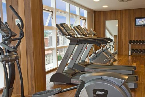 Ayre Hotel Oviedo - Oviedo - Gym