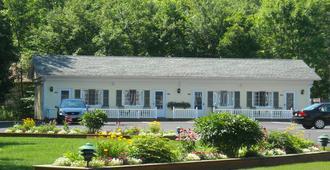Cromwell Harbor Motel - Bar Harbor - Building