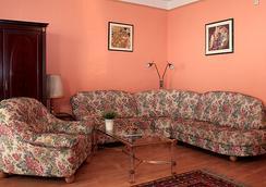 Bellevue Budapest B&B - Budapest - Living room